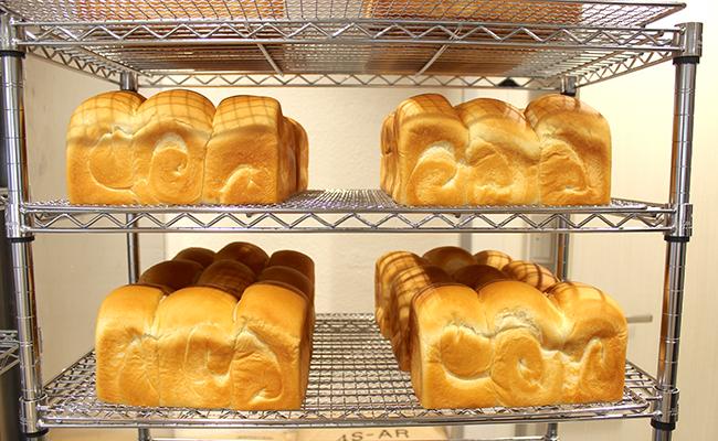 『牛乳食パン専門店 みるく』の「牛乳屋さんのおいしい食パン」