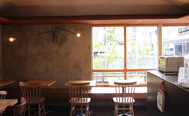 日暮里『ひぐらしベーカリー』のカフェスペース