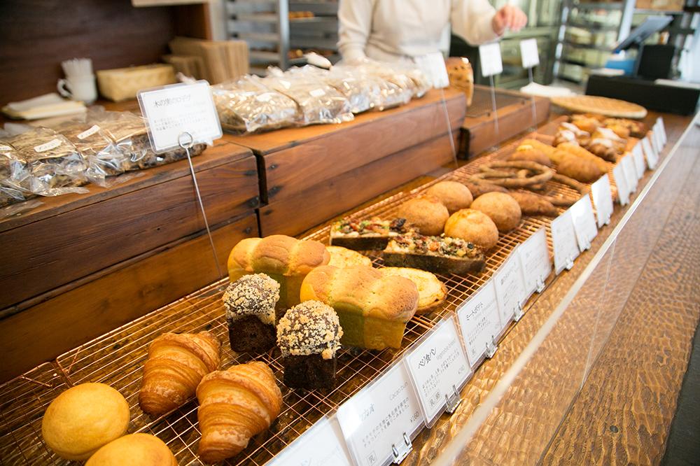 静かな住宅街の小さな幸せパン。国分寺『パン屋志茂』で出会ったパリの味