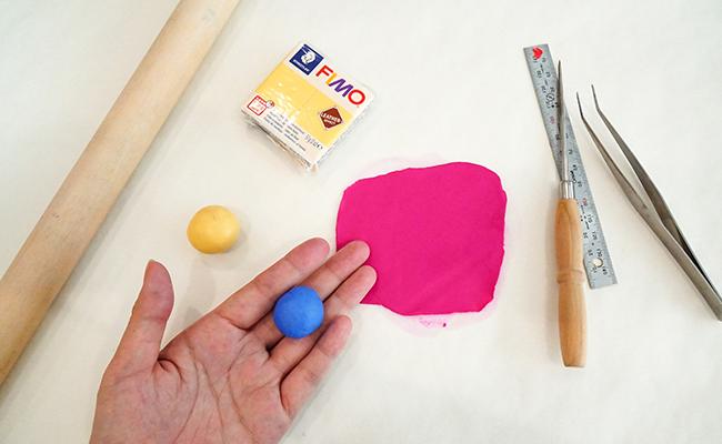 粘土のようにこねて作るフェイクレザー!フィモレザーで夏のアクセサリー作り