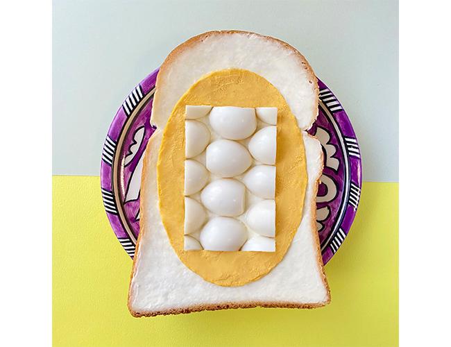 パンアート「Opposite/Quail egg」は卵の黄身と白身の配置を逆にした作品