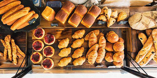 『Universal Bakes and Café(ユニバーサル ベイクス&カフェ)』の100%ヴィーガンのパン