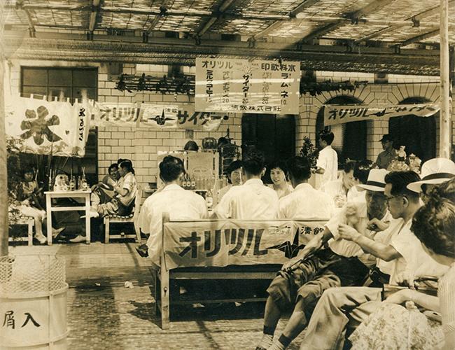 吉田兄弟のおじいさんの当時のアイス屋さんの様子
