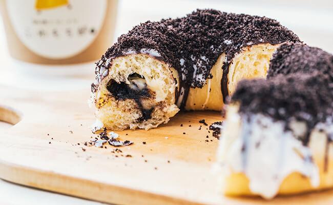 用賀『珈琲とドーナツ ふわもち邸』のドーナツ「オレオ&クリーム」