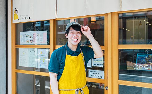 用賀『珈琲とドーナツ ふわもち邸』の店長・土門さん