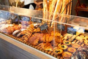 フランスで優勝したバゲット、フランス仕込みのお菓子。根津で味わうフランス『レジニシエ』