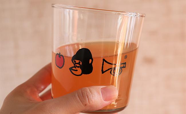 『リンゴリらっぱ』のグラス