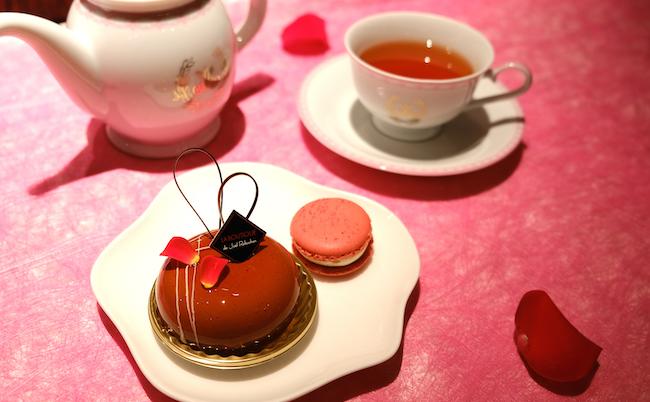 虎ノ門ヒルズ店では、テイクアウトも可能なりんごのケーキも