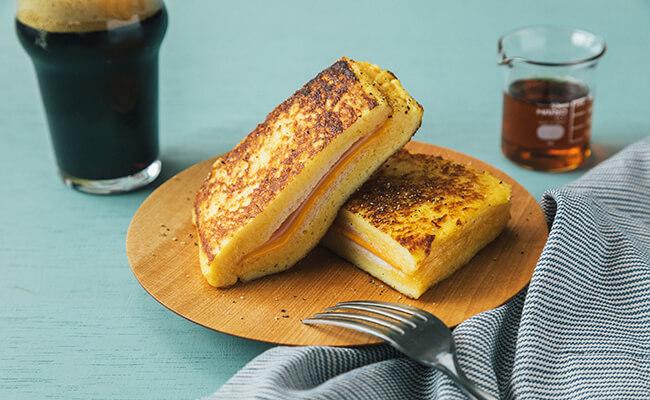 ハムとチーズのフレンチトーストの完成カット
