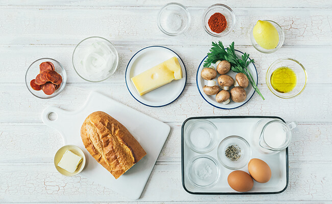 マッシュルームのタルティーヌ風 フレンチトーストの材料カット