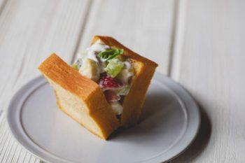 イタリアンの名シェフ小澤唯治さんが届ける北海道の贅沢食パン『MOOJUU BREAD』