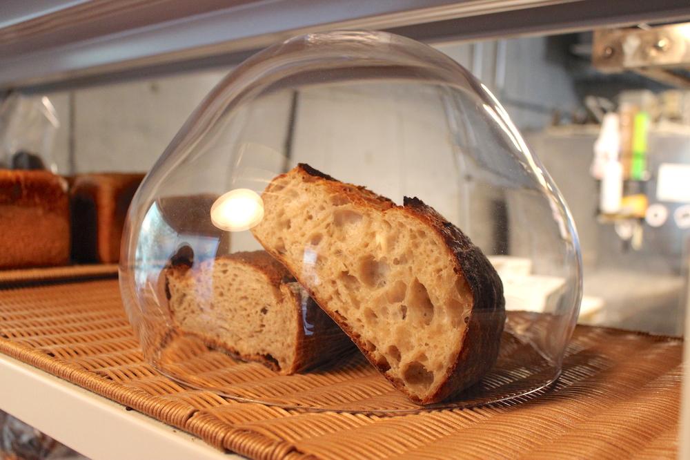 和歌山の人気店が清澄白河にオープン!『中村食糧』超高加水の新食感パン