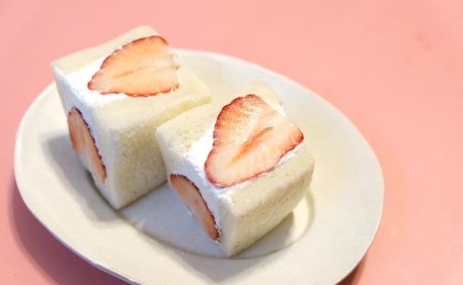 魅惑の追いクリーム!?進化を続けるフルーツサンド専門店、武蔵小杉『もぐもぐもぐらのぱくぱくぱーく』