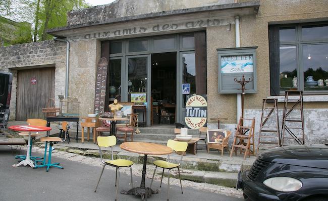 パリからの日帰りも!緑豊かな『ピエールフォン城』をバーチャルツアー
