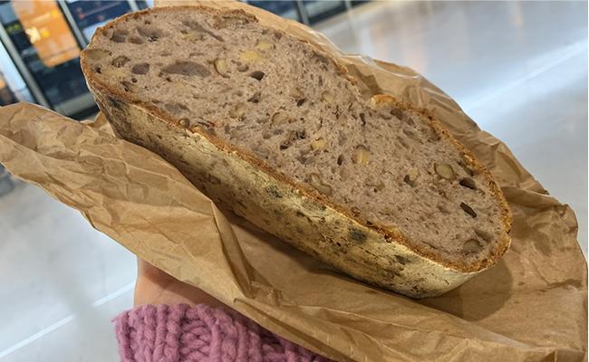 シンプルなパンなのでどんなお料理にも◎。