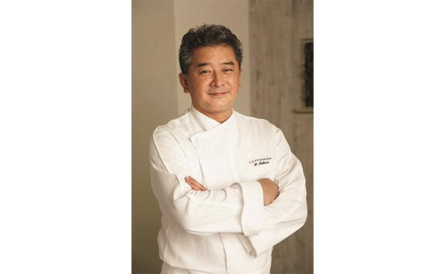 著者の髙良さんは、2020年のミシュラン1つ星を獲得した『レストラン ラフィナージュ』のオーナーシェフ。