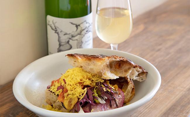 サンドイッチに使うパンも日によって変わるそうで、この日はオリーブオイルとローズマリーのフォカッチャで作ってもらいました。
