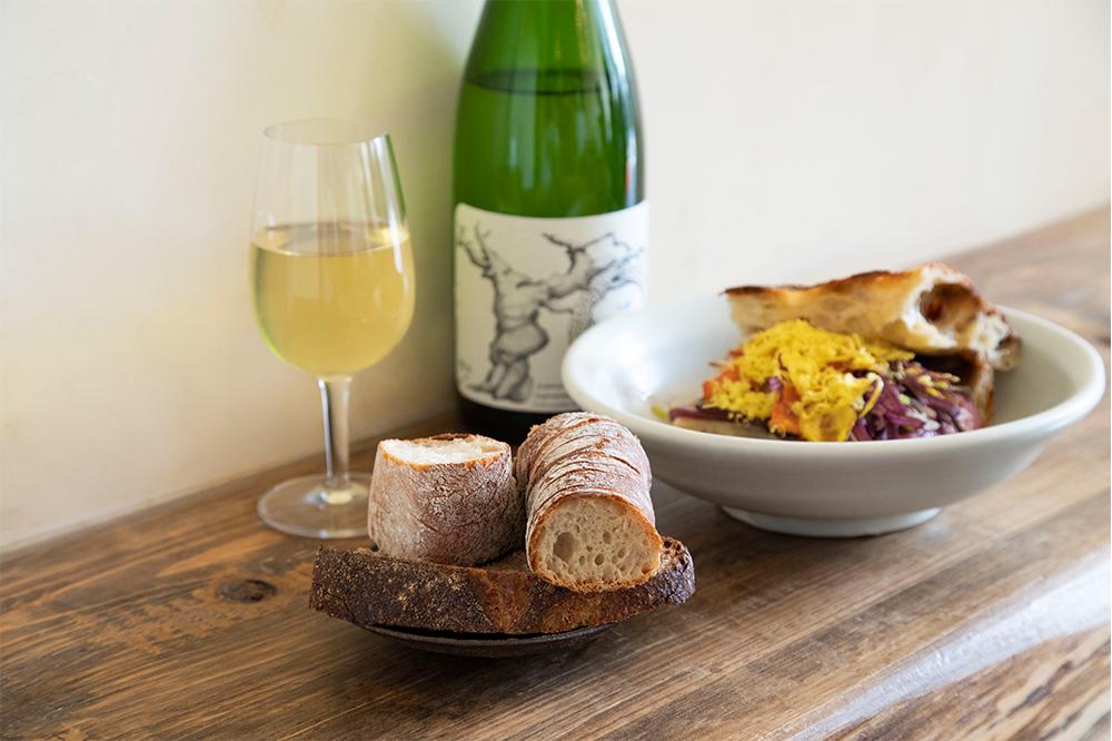 もっと自由に、自分好みに。小麦が香るパンとワインとのマリアージュが楽しめる『チェスト船堀』