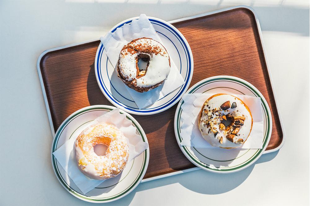 幸せのドーナツ!都心の森・羽根木で出会ったドーナツ専門店『dear DONUTS』