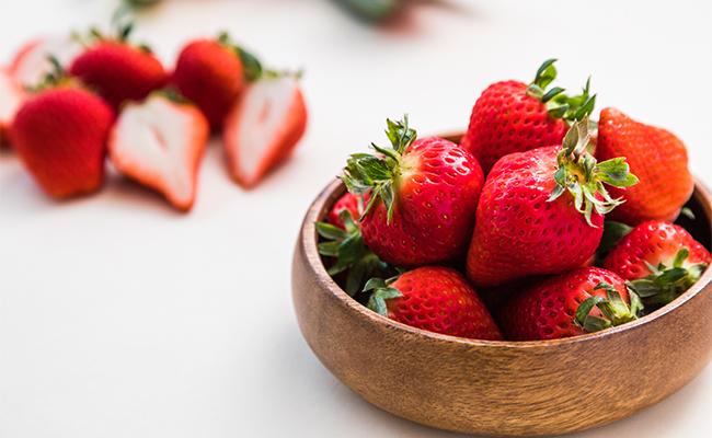 日本各地で作られているいちごは、日々品種改良が重ねられ、個性的な新品種も続々と生まれています。
