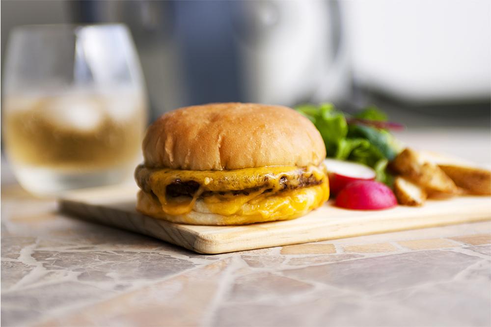 簡単リベイクでいつでも出来立ての味を!冷凍ハンバーガー『Tenderbuns』