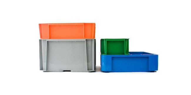 プラスチック製のボックス