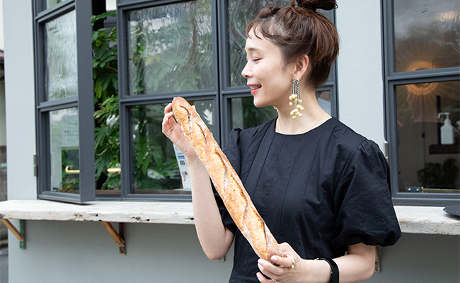 大好物な「バゲット」も小麦粉と塩と酵母のみで作られているリーンなパンなのでこれだけ食べている分には太らないですよ♪