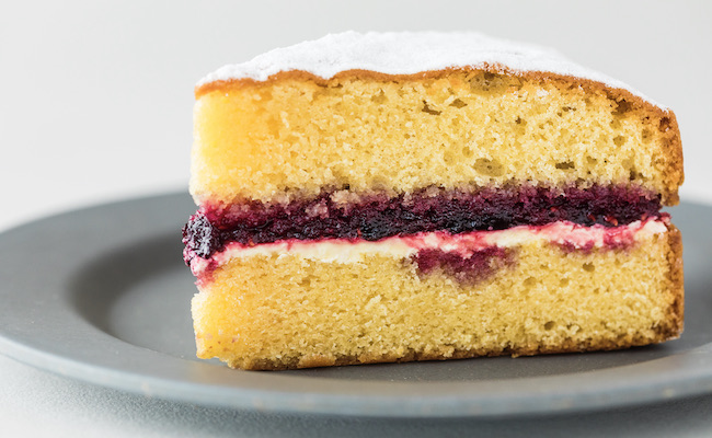 店主の嶋崎かづこさんがイギリスを旅して出合ったヴィクトリアケーキ