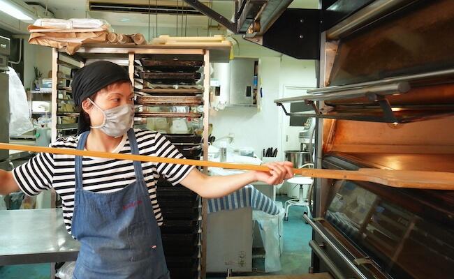 パンを焼くオーブンもフランス製